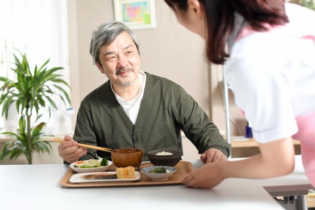 老人ホームの食事は、生活の上でも重要です。